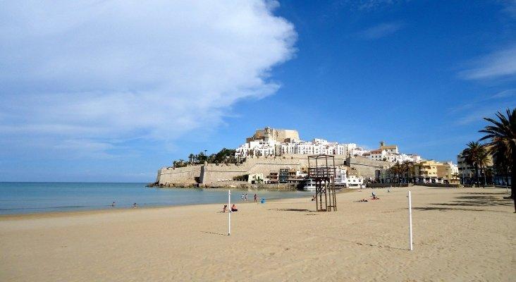 La Comunidad Valenciana lanza su propia guía de playas | Peñíscola, Castellón