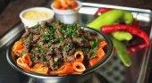 Egipto anuncia su plan de reapertura de restaurantes y cafeterías