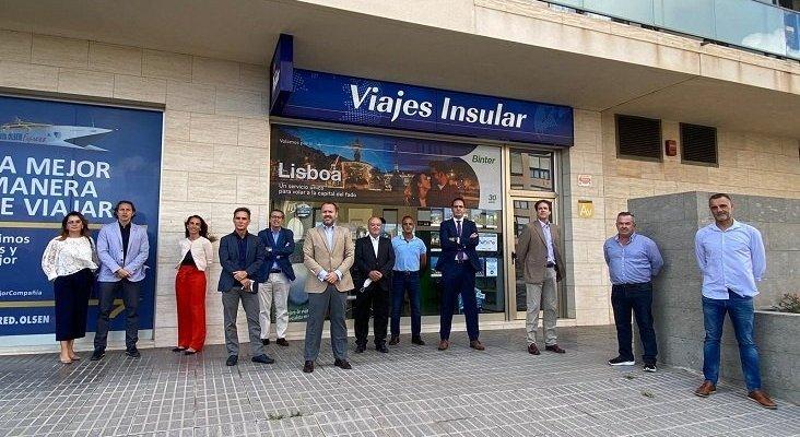 Grandes empresas turísticas canarias se alían para reactivar el sector vacacional en las Islas | Representantes de las empresas que participan en 'Muévete por Canarias', en una foto de familia