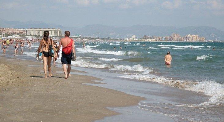 Los españoles reservan sus vacaciones en el trabajo