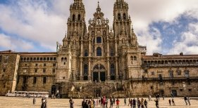 Galicia ofrece un bono a los sanitarios para gastar en productos turísticos de la comunidad