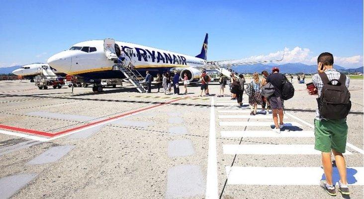 Ryanair prohíbe formar colas en el embarque