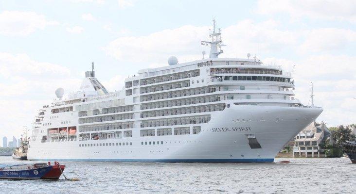 Royal Caribbean aprovecha la crisis para adquirir el 100% de Silversea Cruises