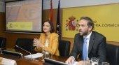 Fernando Valdés junto a Isabel Oliver|Foto Ministerio de Turismo