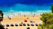 Grecia recibe a los primeros turistas británicos