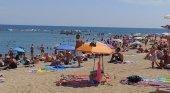 Barcelona reduce un 15% el aforo de sus playas por los rebrotes | Foto: Playa de la Barceloneta- Nicholas Gemini (CC BY-SA 4.0)