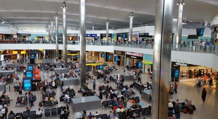 TT.OO. y aerolíneas responden con cancelaciones a la cuarentena de Reino Unido  Foto: Aeropuerto de Londres-Heathrow