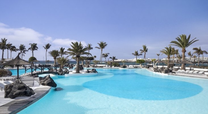 Meliá Hotels reabre 8 de sus hoteles en las Islas Canarias | Foto: Hotel Meliá Salinas (Lanzarote)