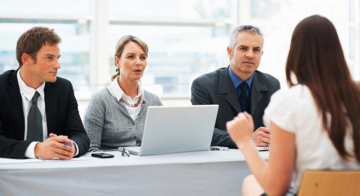 Igual hay que cambiar de  enfoque, que los profesores hagan también prácticas en la empresa