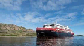 Hurtigruten cancela todos sus cruceros de expedición, por un rebrote a bordo | Foto: global.hurtigruten.com