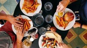 UK bonifica el 50% de las consumiciones en bares y restaurantes