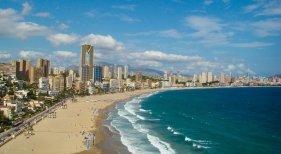 C. Valenciana ofrecerá alojamiento gratuito a los turistas afectados por Covid | Foto: Benidorm, Valencia