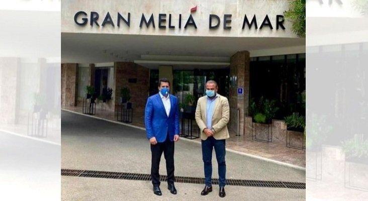 De izq. a dch.: David Collado, ministro de Turismo de República Dominicana, y Gabriel Escarrer, vicepresidente ejecutivo y CEO de Meliá Hotels International