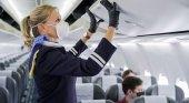 """""""Si se niega a usar la mascarilla se enfrenta a ser expulsado de su vuelo y a sanciones"""""""