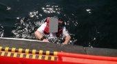 Rescatan a un turista británico, tras tres días a la deriva sobre una tabla de surf|Foto: Salvamento Marítimo