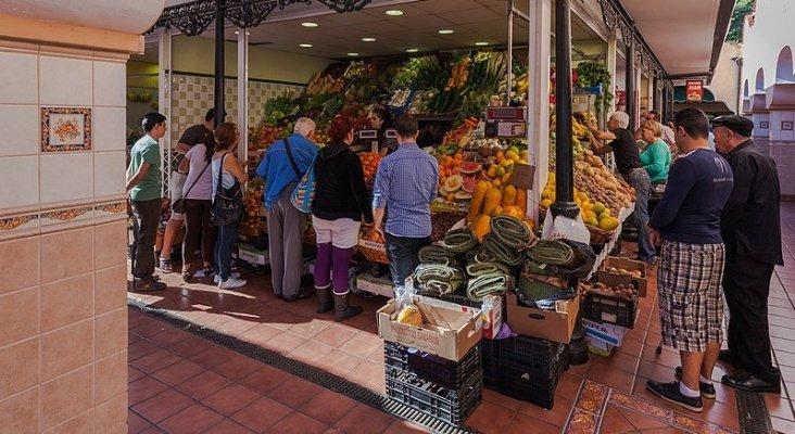 El mercado de abastos en peligro de extinción   Foto: Mercado de Nuestra Señora de África, Santa Cruz de Tenerife- Diego Delso, delso.photo, License CC-BY-SA