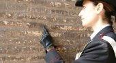 Detienen a un turista irlandés por grabar sus iniciales en el Coliseo|Foto: Il Messagiero