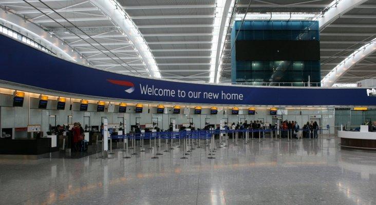 Aeropuerto de Londres-Heathrow, en Reino Unido | Foto: Adambro (CC BY-SA 4.0)