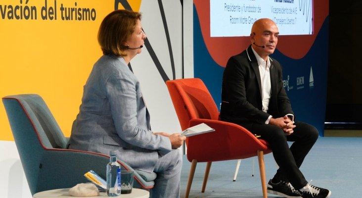 Kike Sarasola en su participación en la Jornada de Turismo de Benidorm   Imagen: AVE