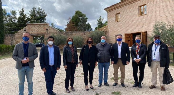 Fuerteventura presenta su modelo de protección del cielo en Teruel