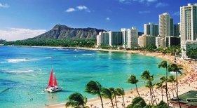 """Hawái recibe 8.000 turistas el primer día de viajes """"sin cuarentenas"""""""