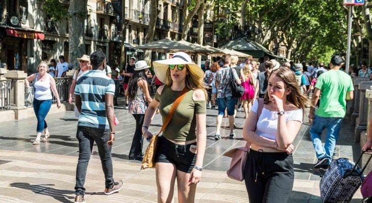 Crece el turismo nacional en Barcelona por primera vez en 30 años | Foto: Sandor Somkuti