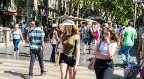 Crece el turismo nacional en Barcelona por primera vez en 30 años   Foto: Sandor Somkuti