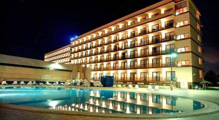 """El VIK Gran Hotel Costa del Sol acoge el """"Balcón Rock""""   Imagen: VIK Hoteles"""