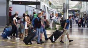 Llegadas de turistas al aeropuerto de Tenerife Sur