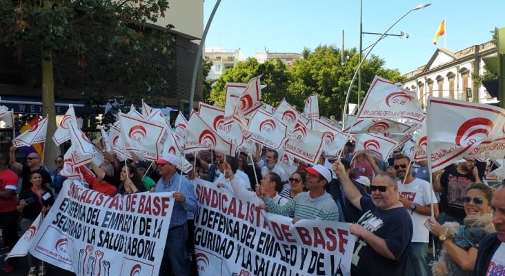 Los sindicatos del sector turístico de Canarias reclamarán en una manifestación la derogación de la reforma laboral   Sindicalistas de base