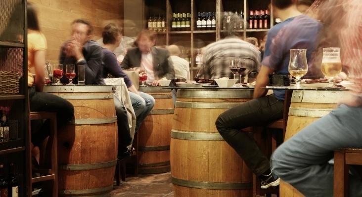 Los medidores de CO₂ podrían ser clave para la reapertura de la hostelería en Madrid