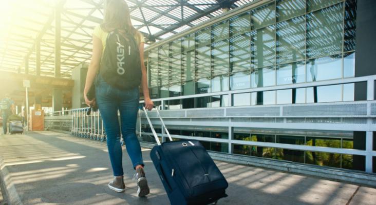 Una encuesta revela que un 68% de los españoles evitarán viajar fuera del país