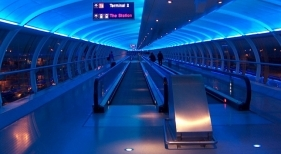 El Aeropuerto de Mánchester regalará 5 años de tasas de aterrizaje al primer vuelo de cero emisiones|Ngapleaz