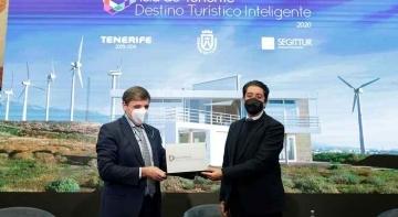 Tenerife se convierte en Destino Turístico Inteligente |Foto: Pedro Martín, presidente del Cabildo de Tenerife y Enrique Martínez, presidente de SEGITTUR
