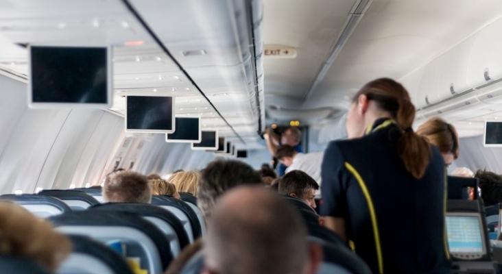 La Administración de Aviación Civil de China recomienda que las tripulaciones usen pañales