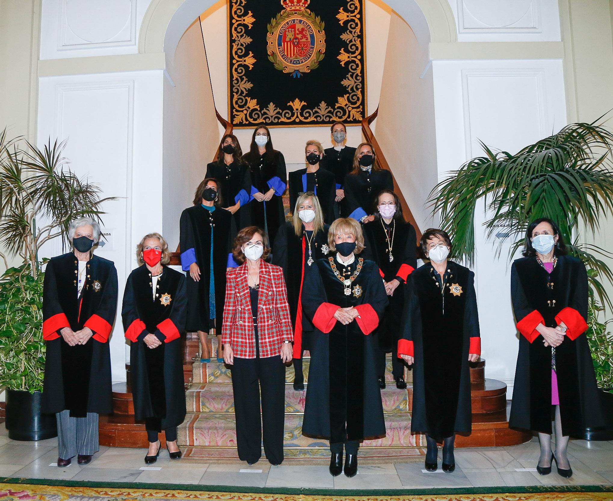 Miembros permanentes del Consejo de Estado con la Vicepresidenta primera del Gobierno Carmen Calvo