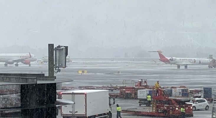 Filomena consigue paralizar el Aeropuerto de Madrid-Barajas| Foto Samperio