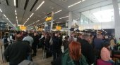 Colas en el aeropuerto de Schiphol, Holanda