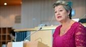 La UE y España se comprometen a agilizar la gestión de la crisis migratoria en Canarias
