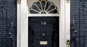 """Reino Unido impone """"hoteles cuarentena"""" a los británicos que regresen de 30 países"""