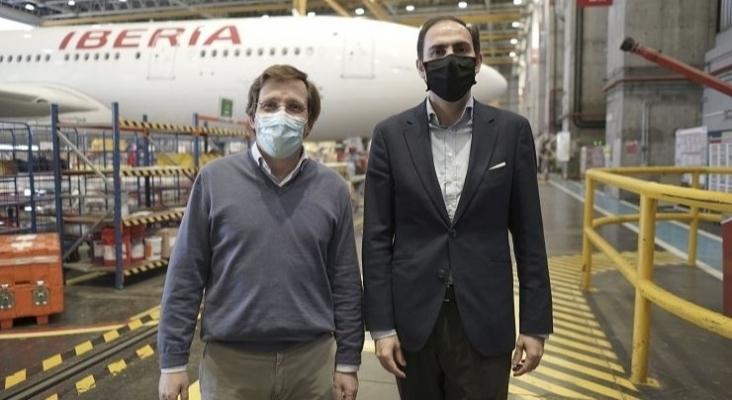 José Luis Martínez Almeida, alcalde de Madrid, junto a Javier Sánchez Prieto, CEO de Iberia