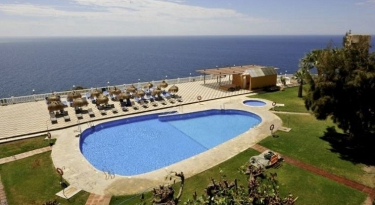 Mantener un hotel cerrado en la Costa Tropical (Granada) cuesta entre 25.000 y 50.000 euros al mes  Foto Hotel Salobreña Suites (Salobreña, Granada)