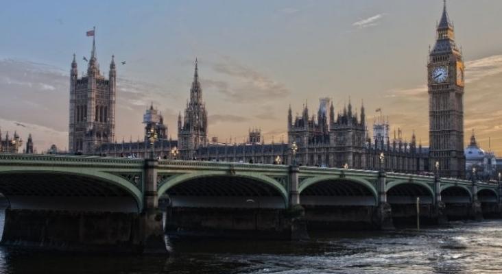 En Reino Unido están convencidos de que en primavera habrá corredores de viaje a España