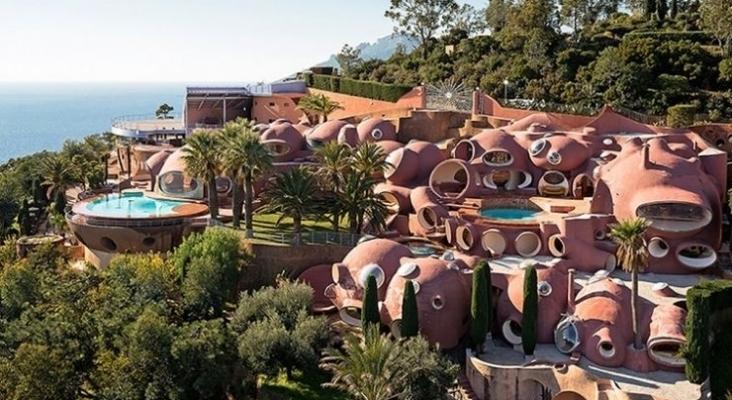 El 'Palacio de las burbujas', frente a la bahía de Cannes (Francia), a la venta  Foto www.palaisbulles.com