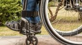 Turista en silla de ruedas