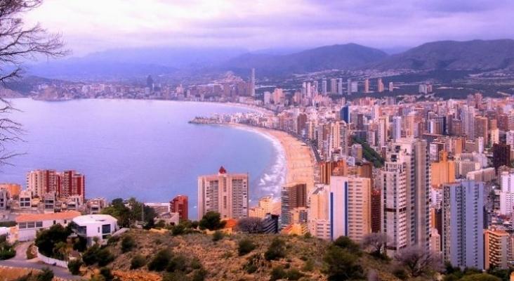 La facturación de los hoteles de Benidorm (Alicante) en 2020 cayó 6 puntos más que la media nacional  Foto Jose Javier Martin Espartosa (CC BY NC SA 2.0)