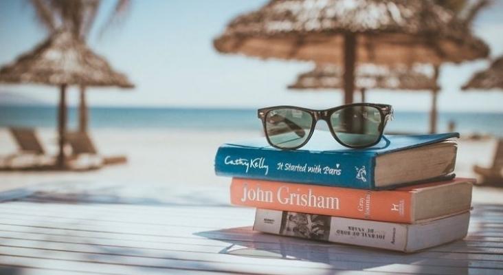 Un 'mayordomo de libros' acerca la lectura hasta la habitación en este hotel de Palm Beach (EE.UU.)