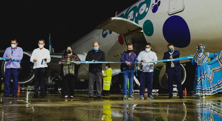 Mariachis en el Aeropuerto de Cancún cuando Evelop (Iberojet) retomó los vuelos