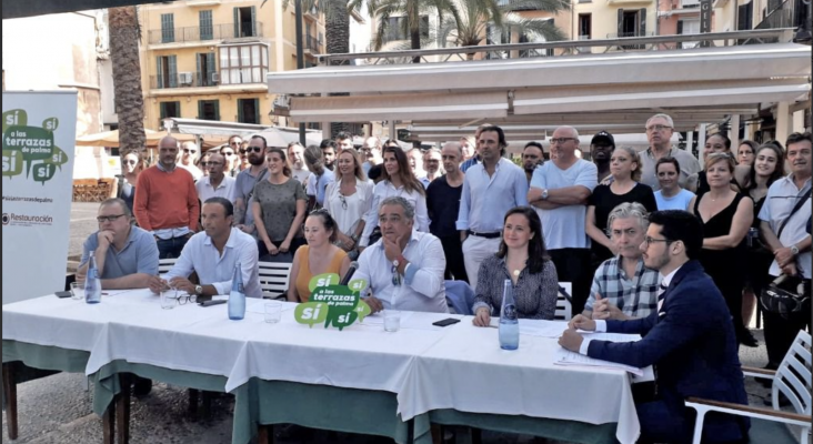 Los hosteleros de La Lonja (Mallorca) exigen que los políticos cubran con su patrimonio las pérdidas  Foto: Mallorca Diario
