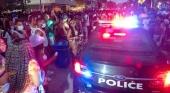 Miami Beach declara la guerra a los 'springbreakers' con toque de queda y gas pimienta